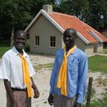 von links: George Enyang und Stephen Okello (Beide haben übrigens die Kuhherde gekauft)